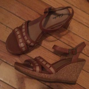 Clarks 2 Tone Tan Wedge Brand New 8M